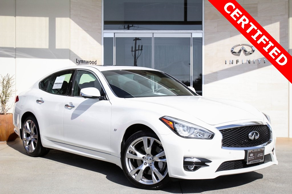Certified Pre-Owned 2018 INFINITI Q70 3.7X