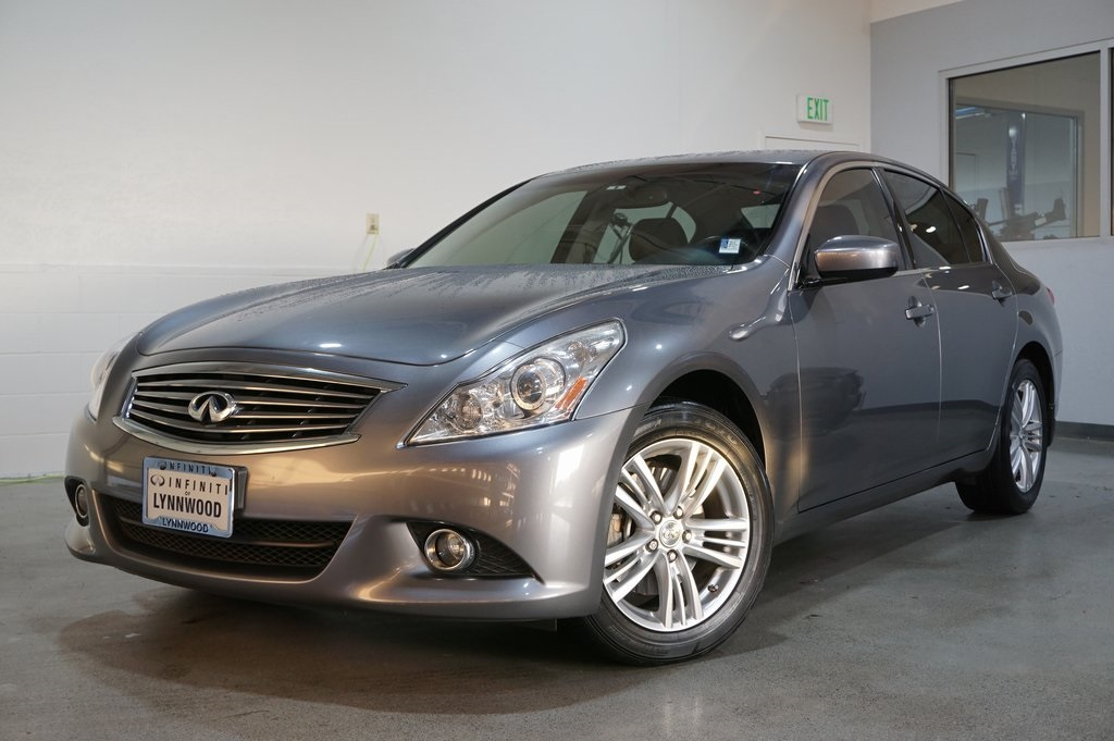 Pre-Owned 2011 INFINITI G37 X